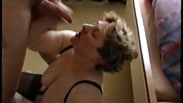 Tetas caídas videos porno viejos y jovenes de ébano
