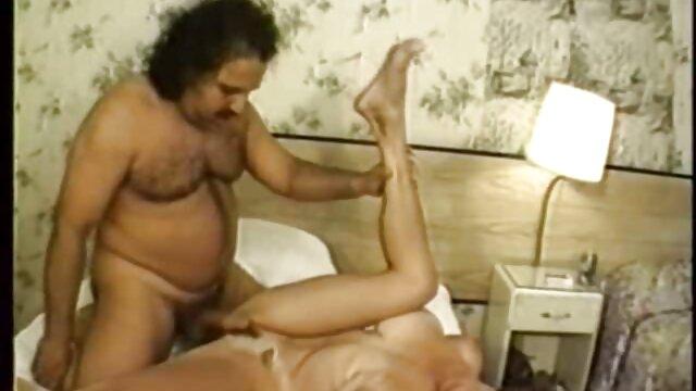 Young Sex analabuelas Parties - Trío anal caliente
