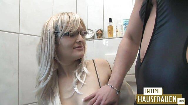 18 Virgin Sex - Ludmila viejos cojiendo a jovenes recibe un masaje de su nuevo cliente