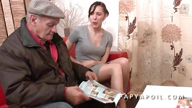 Trío videos de ancianas haciendo el amor después del póquer con anciana