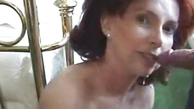 seducido delante de su mamá se folla a su nieta