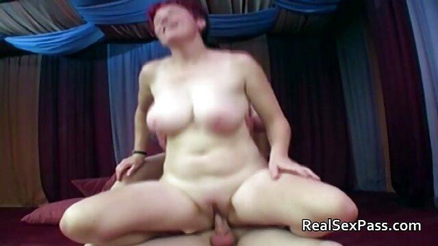 Nena rubia muy hermosa con tetas enormes videos de abuelas foyando se masturba